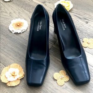 🌺3/$30🌺Luca Ferri   Navy thick heeled shoes